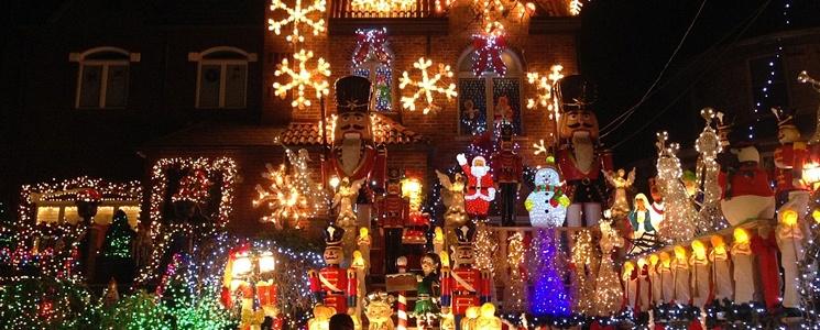 Dyker-Heights-Christmas.jpg