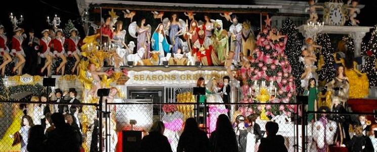 The-Garabedian-Christmas-House,-The-Bronx.jpg